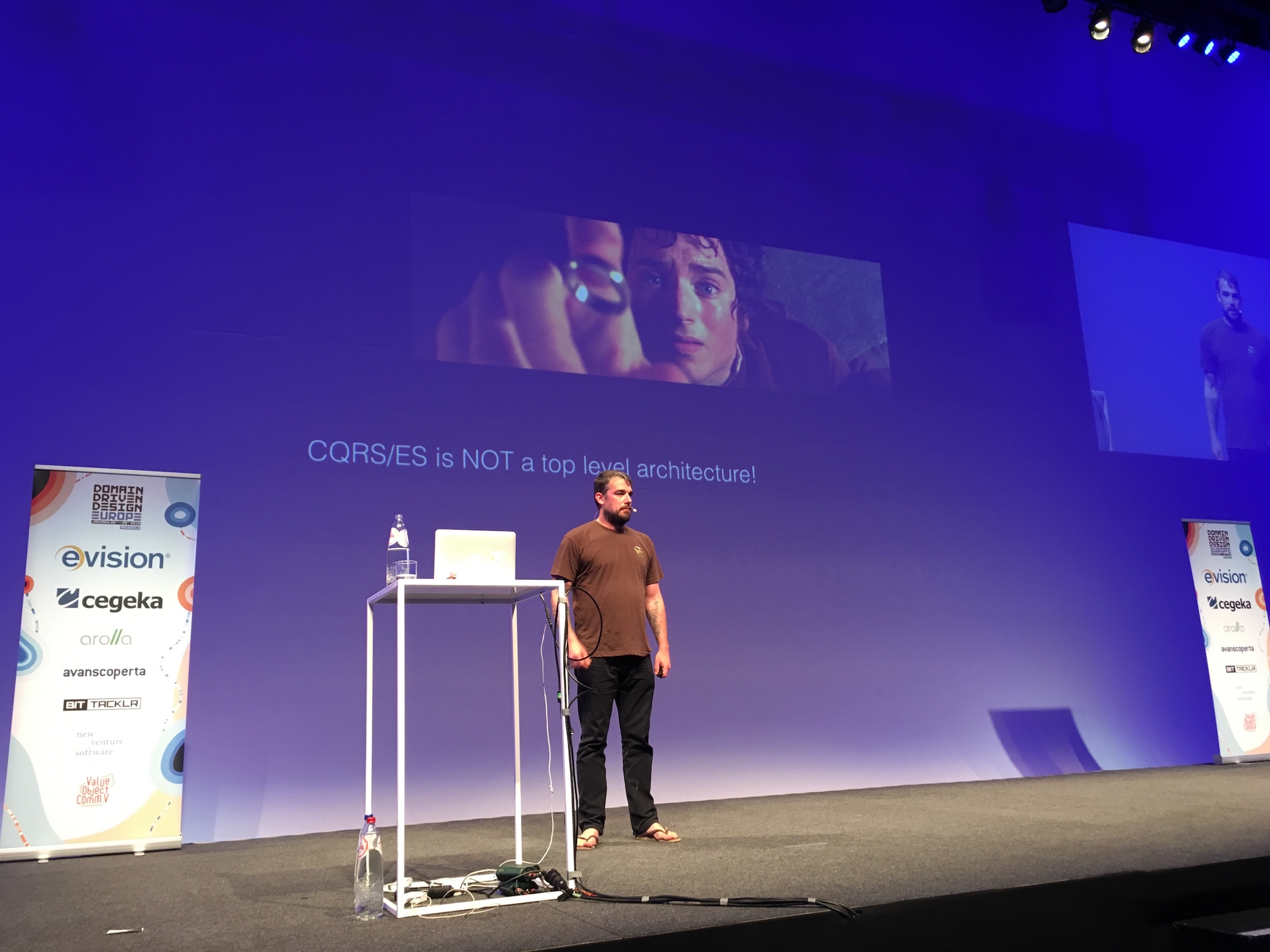 Greg Young at DDDEU 2016: CQRS/ES is NOT a top level architecture!